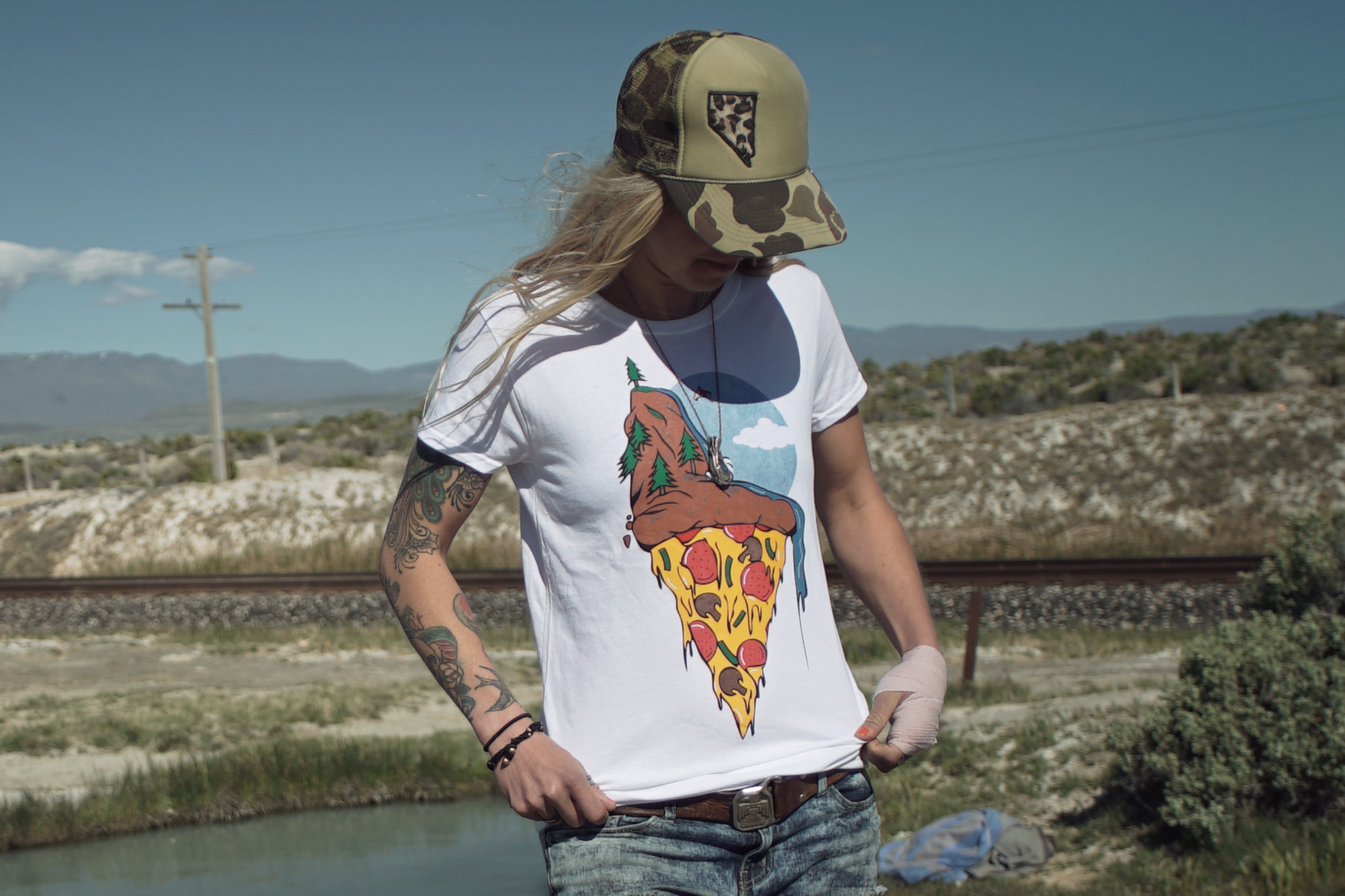 pizza shirt crop